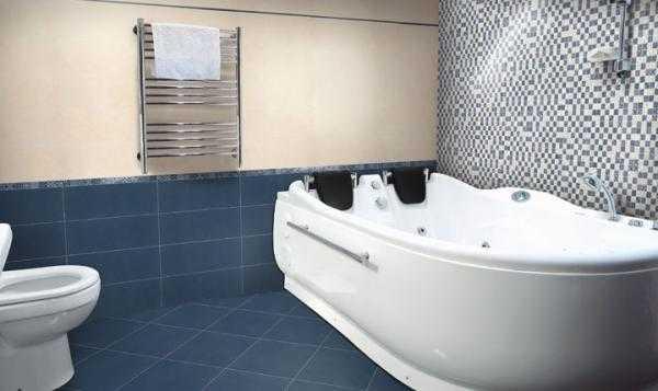 Vasca idromassaggio treesse arredo bagno vomer claris arredo bagno vomero mobili box doccia - Arredo bagno napoli ...