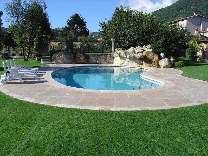 Giochi d 39 acqua e piscine per parchi e giardini for Piscine per piccoli giardini