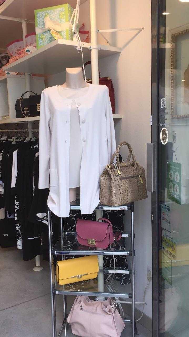 e29fa0d14899 Foto 70610 Paola Moda abbigliamento donna Lugo. Nuova vetrina con capi da  cerimonia (2)