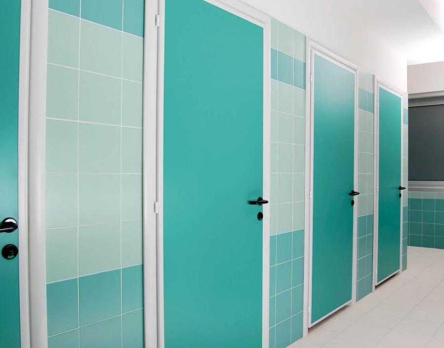 porte in pvc ideali per bagni pubblici